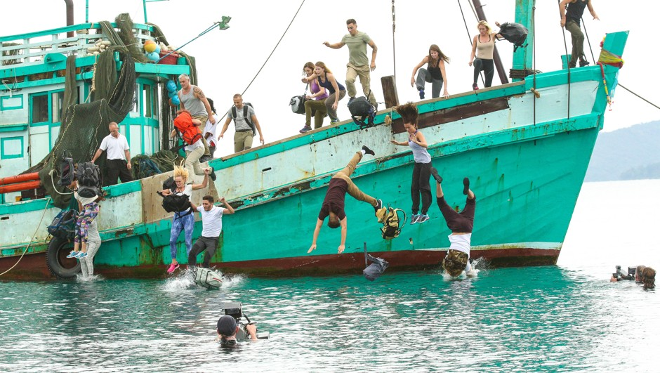 Les candidats de Koh Lanta sautent du bateau